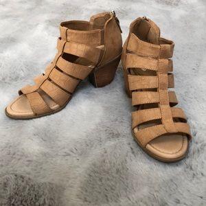 Women's Dr Scholls size 6 heel